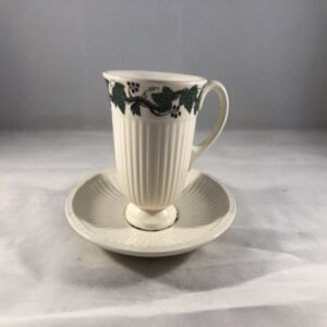 Wedgwood Stratford koffiekop met schotel, hoog model